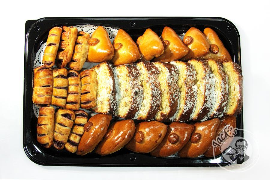 "Assorted Combo Platter Sweet Pastry ""Love Formula» 1150/1600 g"