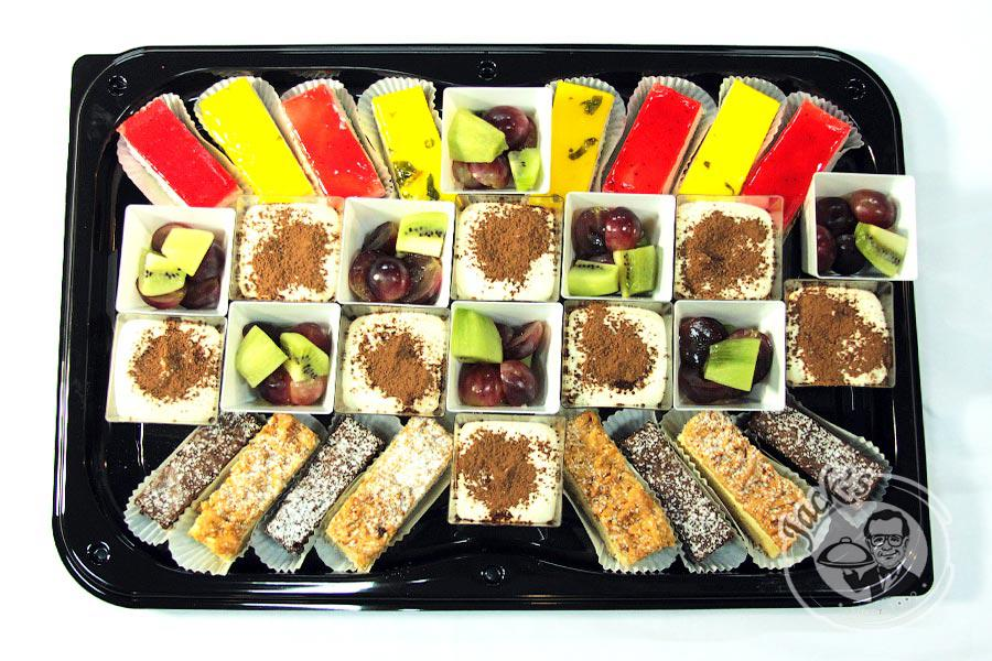 "Assorted Combo Platter Desserts ""Sweet Woman"" 1450 g"