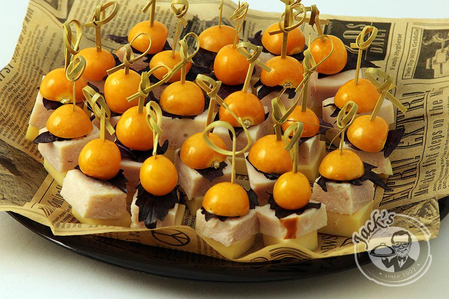 "Deluxe Turkey Canape ""Sherwood"" 24 pcs"