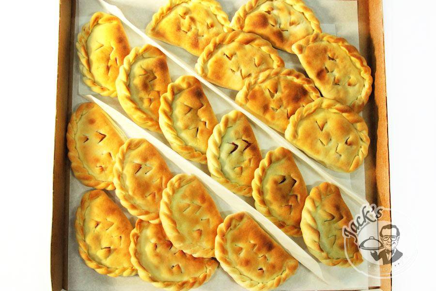 "Assorted Sweet Ossetian Piroshki (Mini-Pies) ""А Kizlyar Story"" 18 pcs"