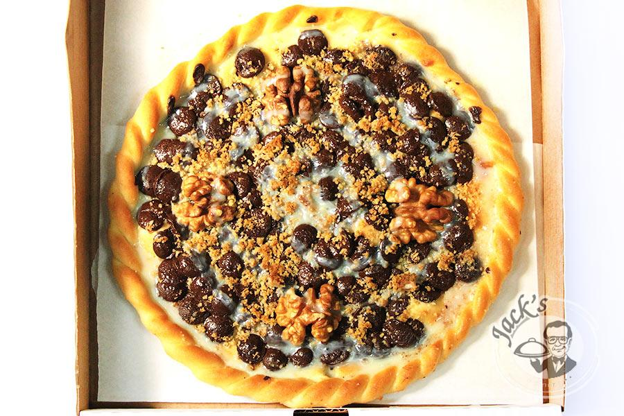 "Chocolate & Nuts Sweet Pizza ""Boniface"" 20 cm"