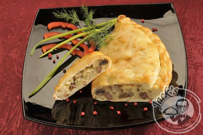 "Calzone ""Caserta"" with creamy beef & mushrooms 370 g"