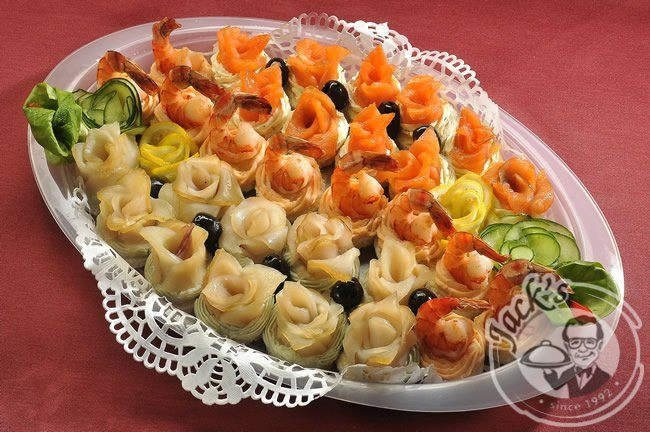 "Assorted Canapes ""Sea Boat"" 18/30 pcs"
