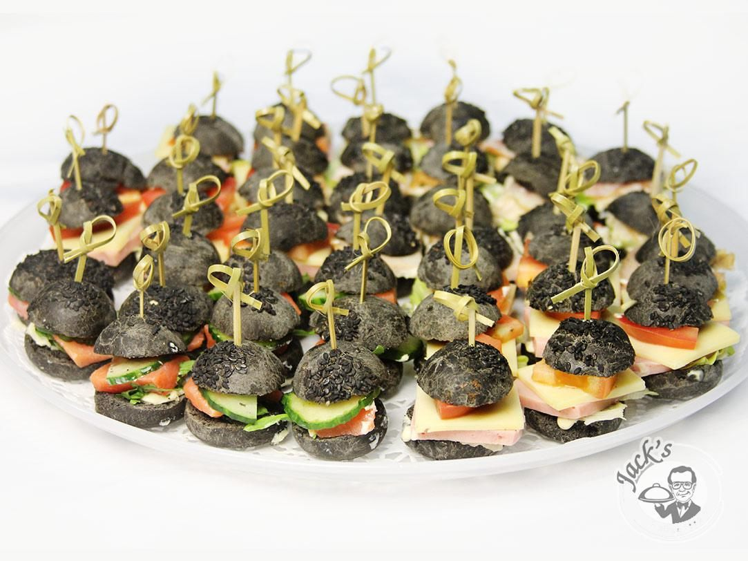 "Assorti Canapé-Sliders ""El Negro"" 20/40/64 pcs."