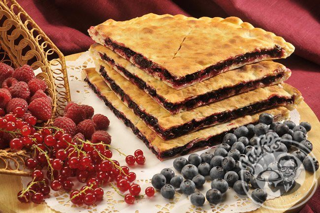 Ossetian Pirog (Pie) with Blackcurrant and Mint 20/40 cm