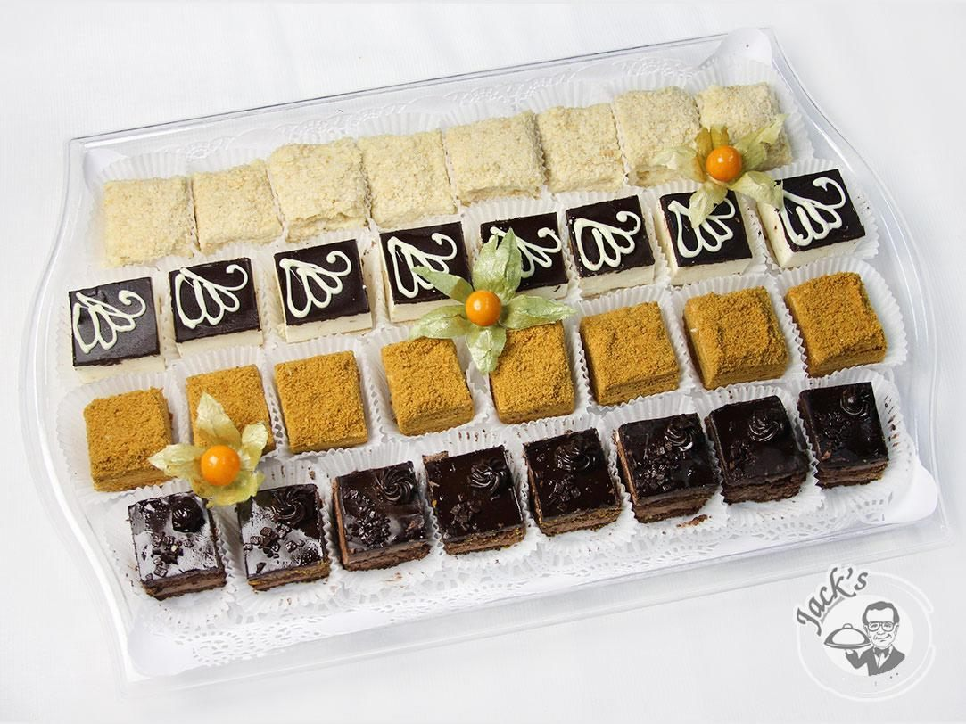 "Assorted Pastries ""The Viennese Waltz"" and ""Romance"" 32 pcs"